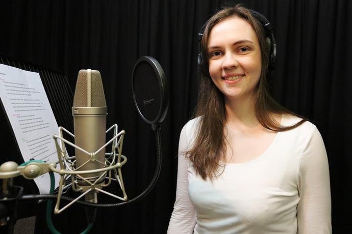 Zoe - Voicover Talent